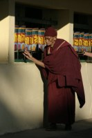 Mnich u modlitebních mlýnků